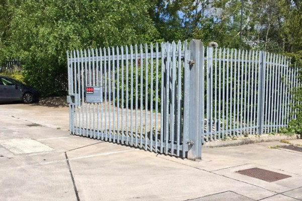 Aluminium metal commercial swing gate