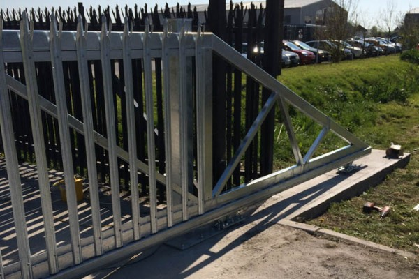 metal commercial sliding gate with security
