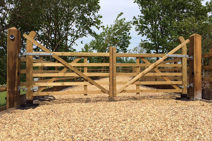 5 Bar Wooden Electric Gates Installers In Bristol Uk Elex Gates