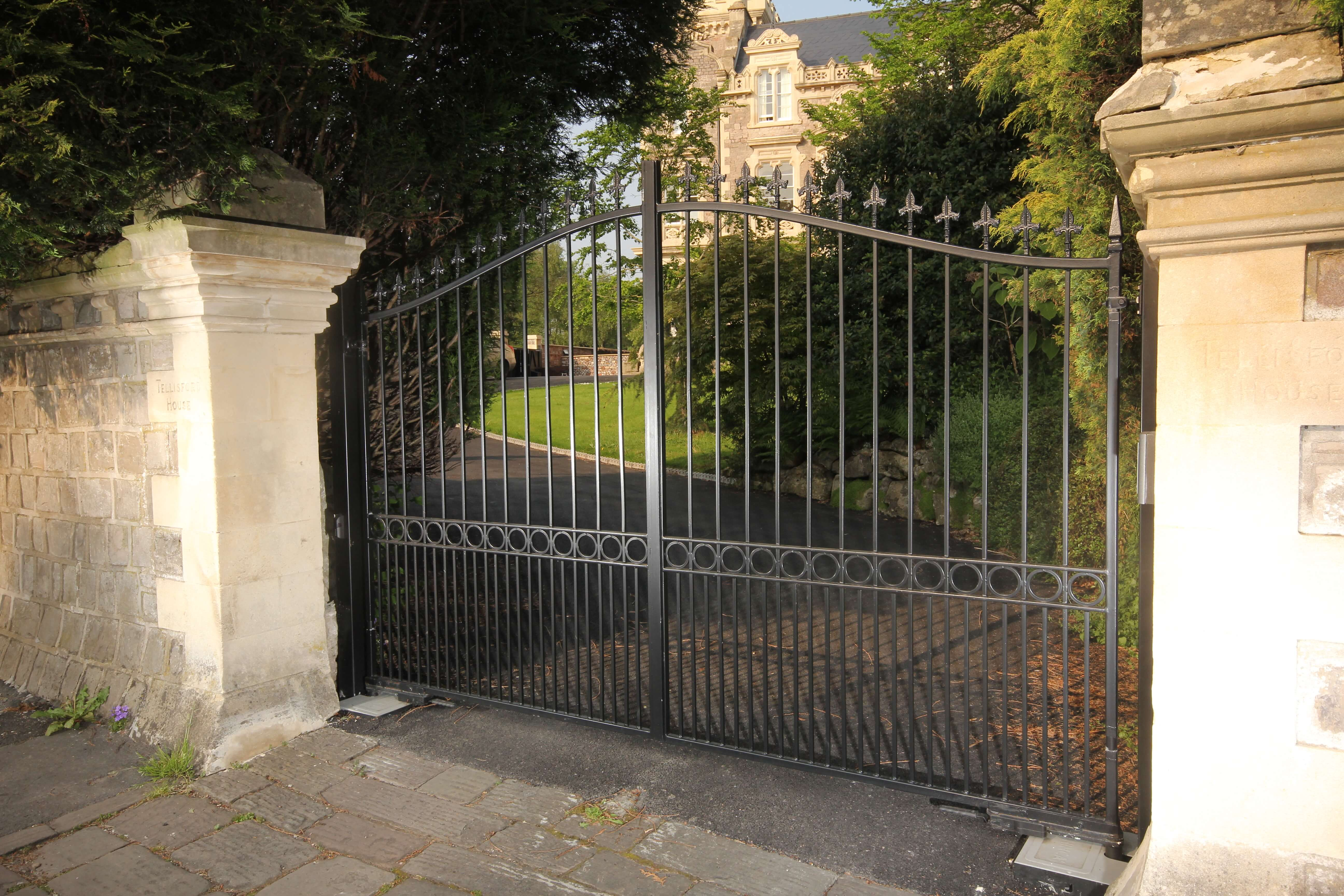 automated traditional steel driveway gate